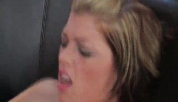 Sexy milf prepare her hot ass for hard penetration
